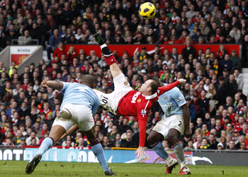 One day, one goal: Rooney remet Manchester City à sa place