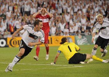 Lahm libère l'Allemagne