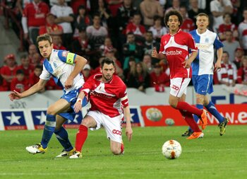 Le Standard domine les play-offs