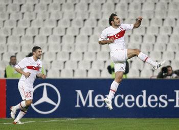 One day, one goal: Hamit Altintop marque le but de l'année 2010