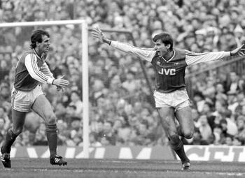 Legendarische wedstrijden: Arsenal claimt de titel in de laatste seconden tegen Liverpool