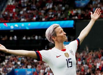 Megan Rapinoe: een vrouwelijk icoon op en naast het (voetbal)veld