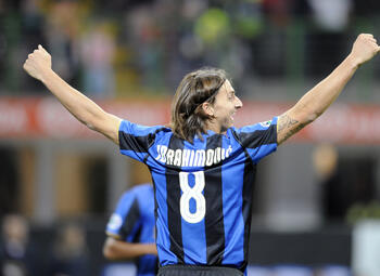 One day, one goal: Ibrahimovic tovert tot eigen verbazing tegen Bologna