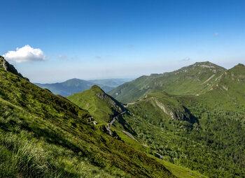 Faites connaissance avec le Puy Mary, la pyramide d'Auvergne