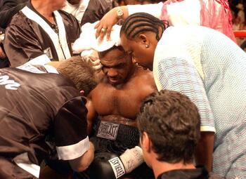 Het hoogtepunt uit Mike Tysons carrière: de wraak op Larry Holmes