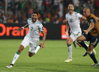 One day, one goal: Riyad Mahrez trapt Algerije op geweldige wijze naar finale Afrika Cup