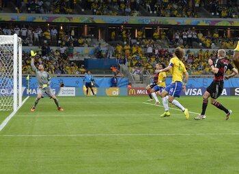 One day, one goal: Schürrle steekt mes nog wat dieper in Braziliaanse wonde