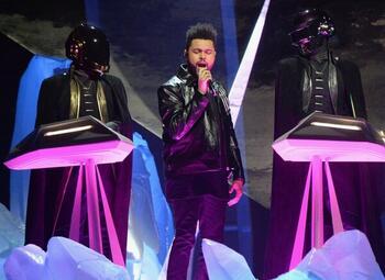 The Weeknd en Ariana Grande: Super Bowl Halftime Show wordt grandioos