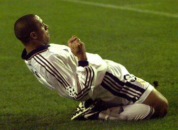 One day, one goal : Roberto Carlos trouve encore un angle impossible