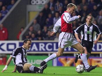 One day, one goal: de pirouette van Dennis Bergkamp