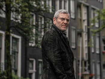 Julien Baptiste is terug!