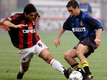 Legendarische wedstrijden: AC Milan vernedert Inter in een historische stadsderby