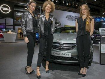 Les hôtesses les plus élégantes du Salon de l'Auto 2018