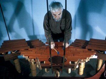 Harry Partch was een zwerver die muziekinstrumenten maakte van wat hij vond