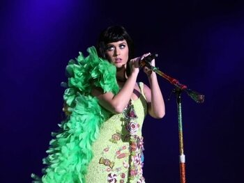 Roar de Katy Perry – 2,35 milliards de vues