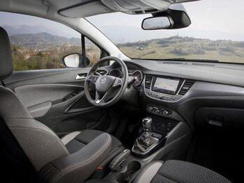 Opel Crossland X : à bord