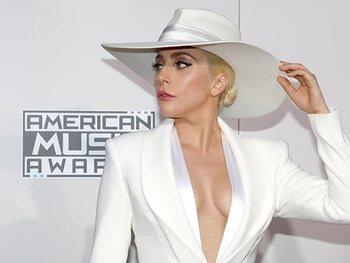 Lady Gaga est hermaphrodite