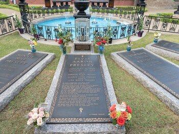 De Meest Bezochte Graven Van Sterren Ter Wereld