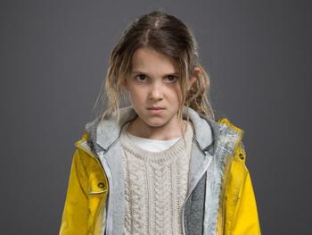 Une jeune femme sombre dans «Intruders»