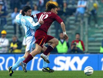 Mythische vieringen: cameraman Francesco Totti filmt zijn fans tijdens de Romeinse derby