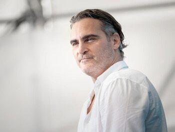 Pas de jet privé pour Joaquin Phoenix aux Golden Globes