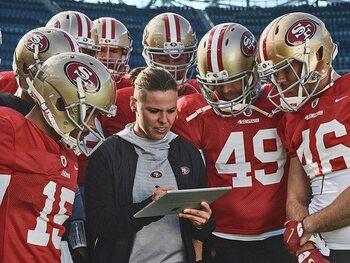 Katie Sowers, coach adjointe chez les San Francisco 49ers