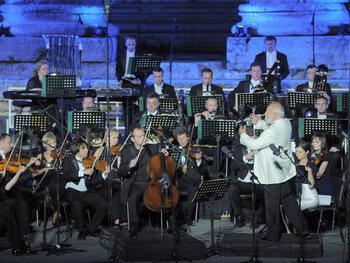 Muziek als eerbetoon en politiek-religieuze aspiraties