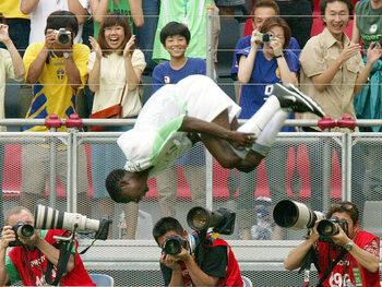 Mythische vieringen: Julius Aghahowa, de acrobaat van het WK 2002