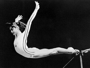 Les moments iconiques des JO : Nadia Comaneci réussit le 10 parfait en gymnastique