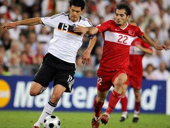 Legendarische matchen: Turkije doet Duitsland zweten tot laatste seconde op EK 2008