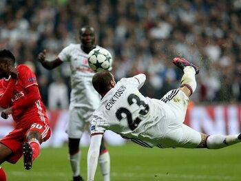 One day, one goal: Vincent Aboubakar délivre les supporters de Besiktas contre Benfica