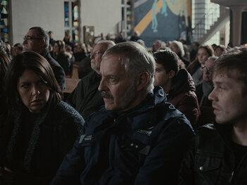 Alexander Vinken (Johan Van Assche) - Lokale hoofdinspecteur van de politie (en ziener)