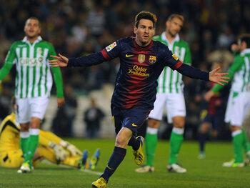 Messi steekt Pelé en Müller voorbij