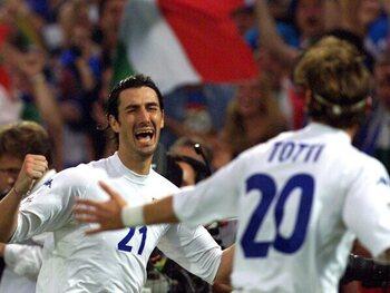 Delvecchio zet Italië op voorsprong