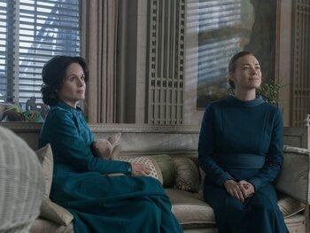 Les robes bleues des épouses