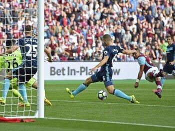 One day, one goal: Payet marque après avoir traversé la défense de Middlesbrough