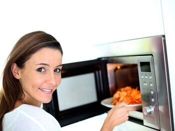 Warm je maaltijd op in de micro