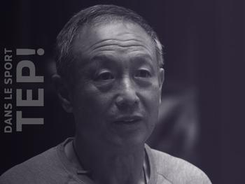 Double amputé, Xia Boyu escalade l'Everest à 69 ans
