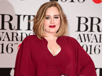 Adele vraagt officieel de scheiding aan