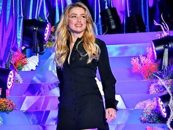 Volgens Amber Heard sloeg Johnny Depp haar penthouse kort en klein, hij ontkent