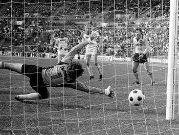 Les matchs de légende : Mönchengladbach manque le titre malgré une victoire 12-0 contre Dortmund