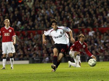 One day, one goal: Kaká fait son show contre Manchester United