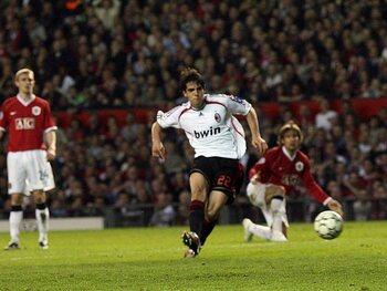 One day, one goal: Kaká toont zijn klasse tegen Manchester United