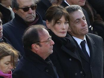 """Carla Bruni en veut toujours à François Hollande : """"C'est mal élevé les pingouins"""""""