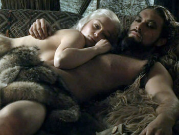 Emilia Clarke had geen probleem met naaktscènes in Game Of Thrones