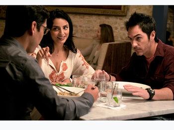 """Episode 4 """"Canapé-lit"""" : un couple s'installe"""