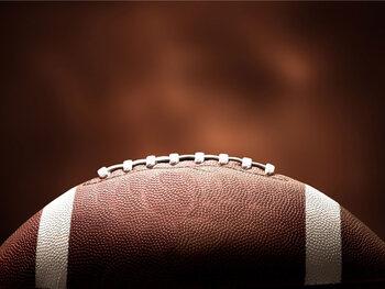 Pourquoi parler de football alors que ce sport se pratique avec les mains ?
