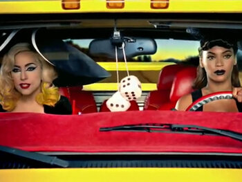 Lady Gaga feat. Beyoncé - Telephone