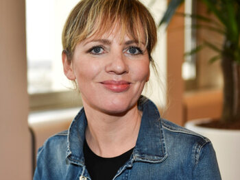 Maaike Cafmeyer op haar 45ste oud bevonden om een personage van 45 te vertolken