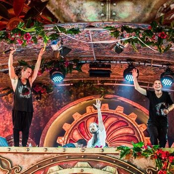 Dimitri Vegas & Like Mike: Aim for the stars, land on the moon !